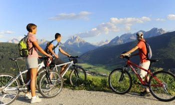 vacanza sostenibile, due ruote, bici