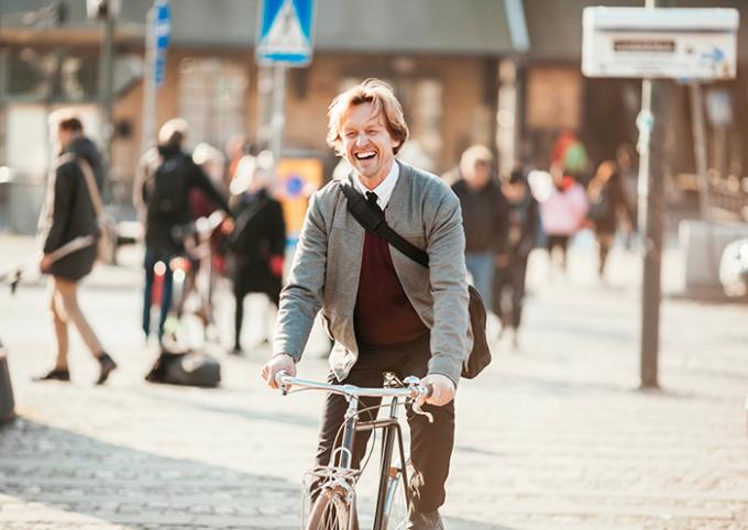 Uomo in bicicletta