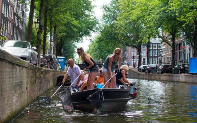 amsterdam, plastica, plastic whale, riciclo