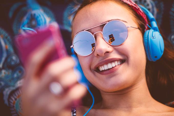 giovani, udito, dispositivi elettronici, sordita