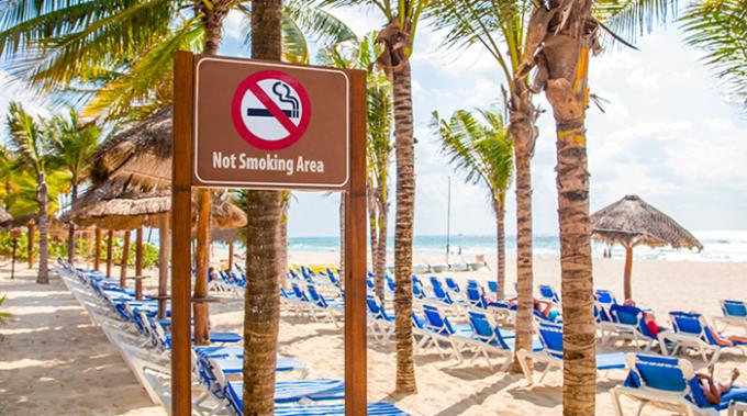 spiaggia, estate, sigarette, fumo, nosmoking