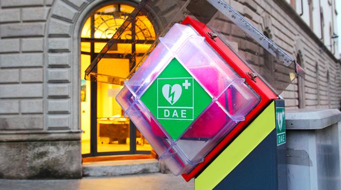 defibrillatore, soccorritori, cuore, rianimazione
