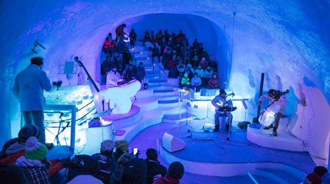 Viaggi di Natale: l'ice festival in Val di Sole