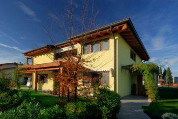 Una casa costruita e arredata secondo i principi della bioediliza e della casa vegan