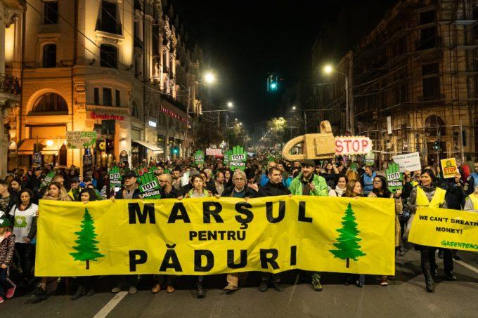 Manifestazione Greenpeace a Bucarest