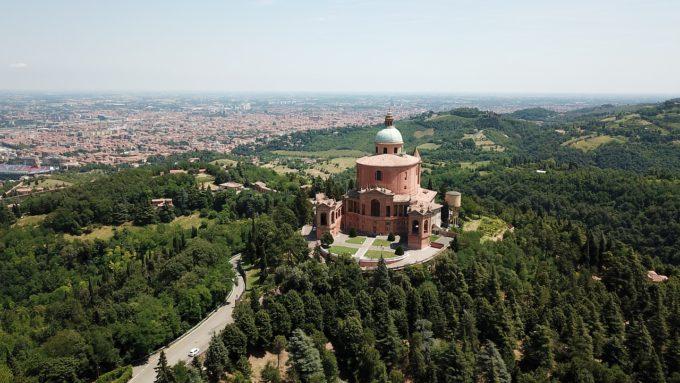 inquinamento Emilia Romagna CO2 città verdi alberi