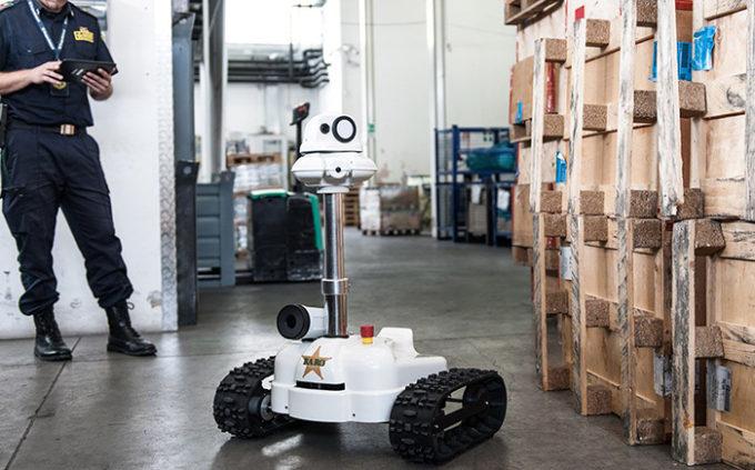 Robot di sorveglianza