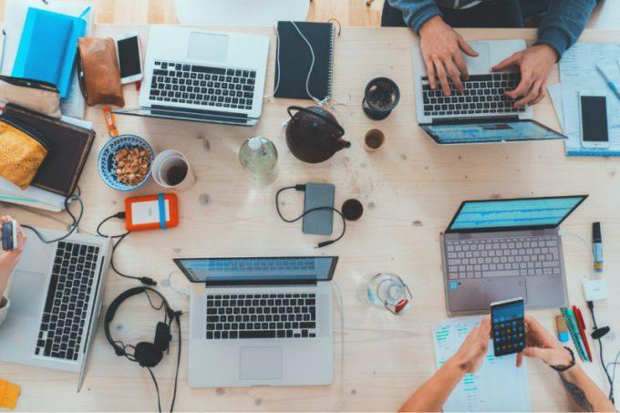 PC su scrivania
