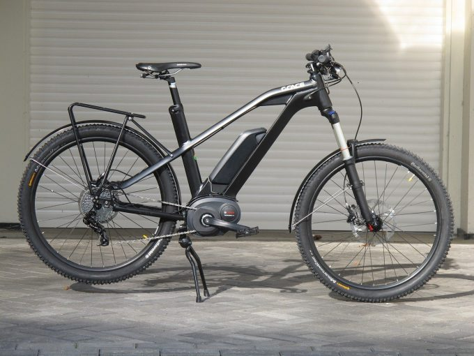Bici elettrica nera