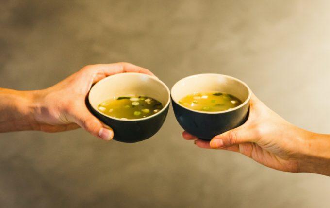Zuppa di miso, una zuppa curativa ottima per l'intestino