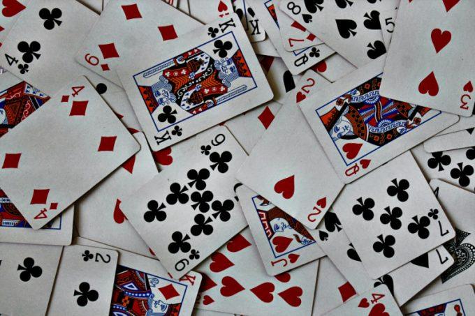 Le carte da gioco, uno dei giochi tradizionali più famosi