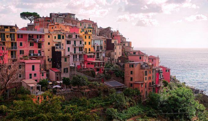 Borgo italiano da visitare con trekking urbano