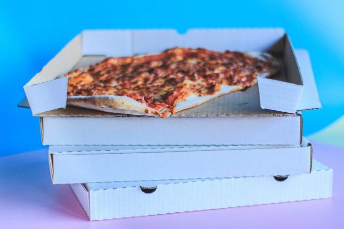 Cartone della pizza e bisfenolo A