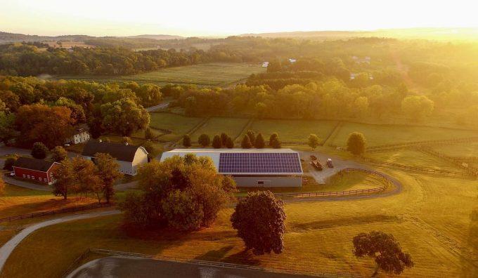 pannelli solari su un edificio