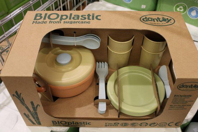 Bioplastica ricavata dalla canna da zucchero
