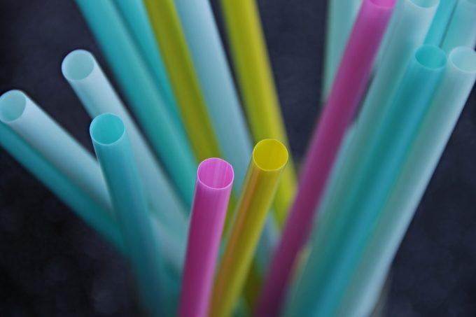 Plastica monouso: cannucce