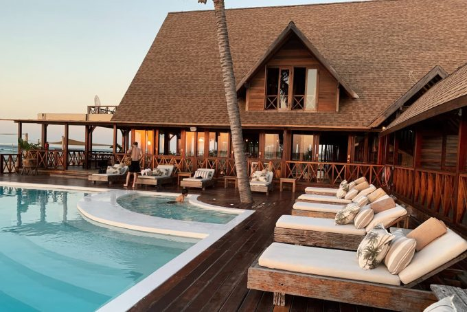 Eco resort con piscina