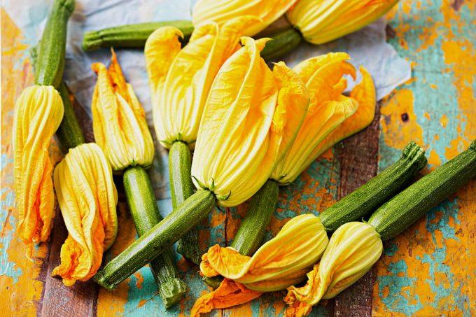 Verdura di luglio: fiori di zucca