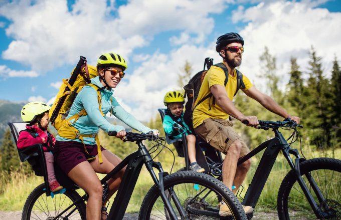 Gita i bicicletta con i bambini