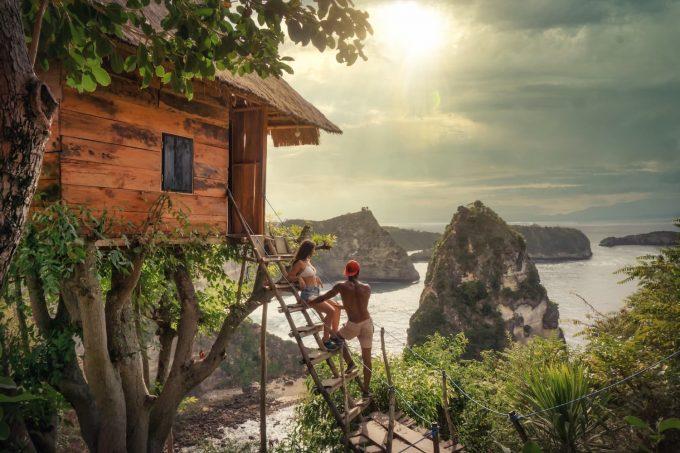 case sull'albero vista mare