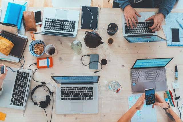 computer e lavoro di gruppo